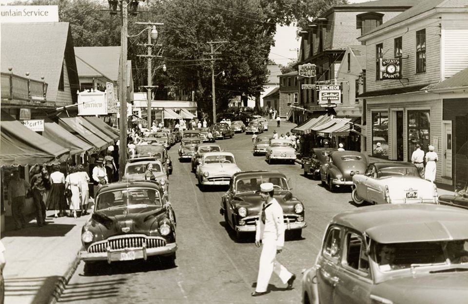 Lots of traffic in Dock Square for July 4th weekend in 1953.